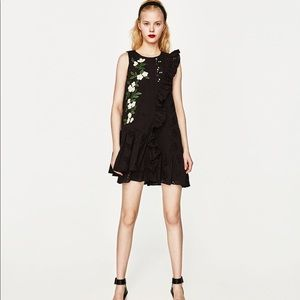 NWT ZARA BLACK MINI DRESS WITH EMBROIDERED DAISIES